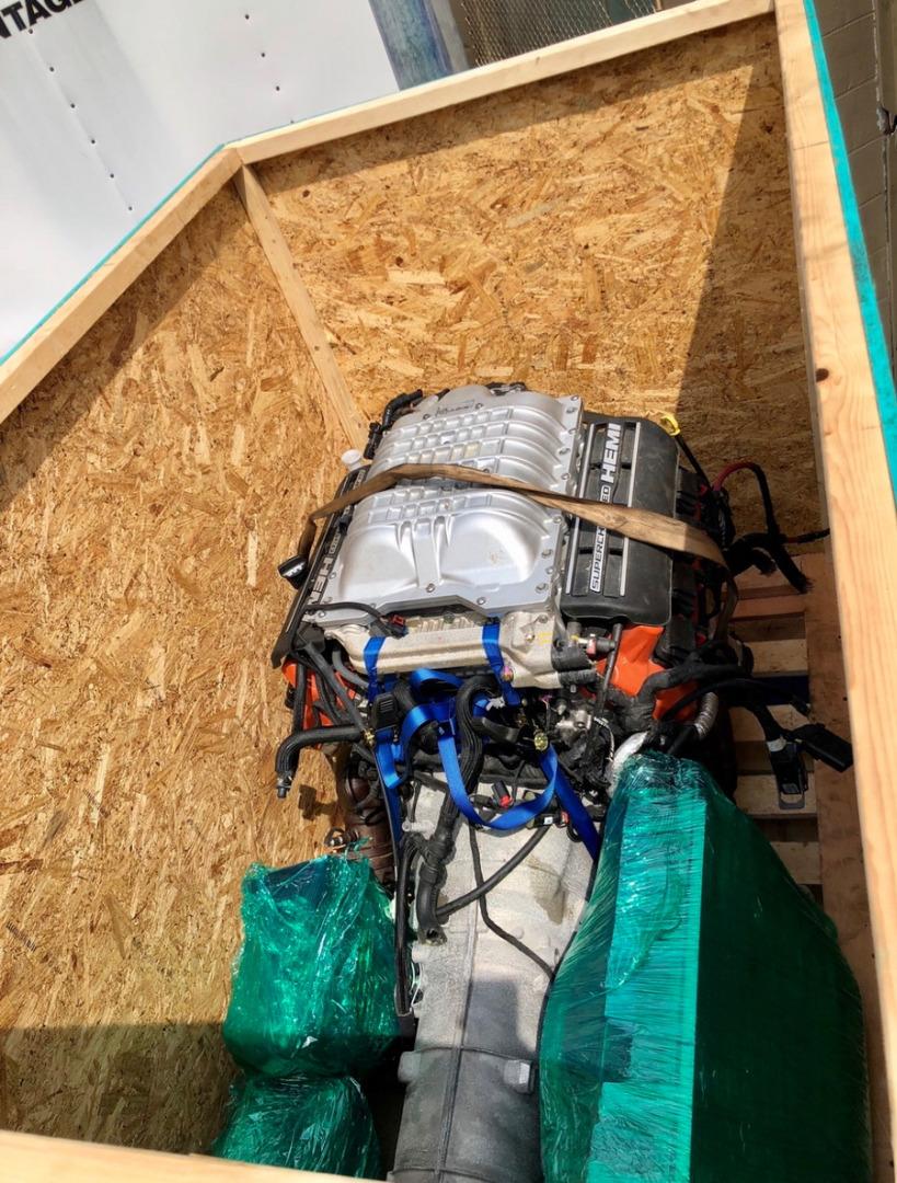 Комплект двигателя Hellcat 6,2 литра с автоматической трансмиссией