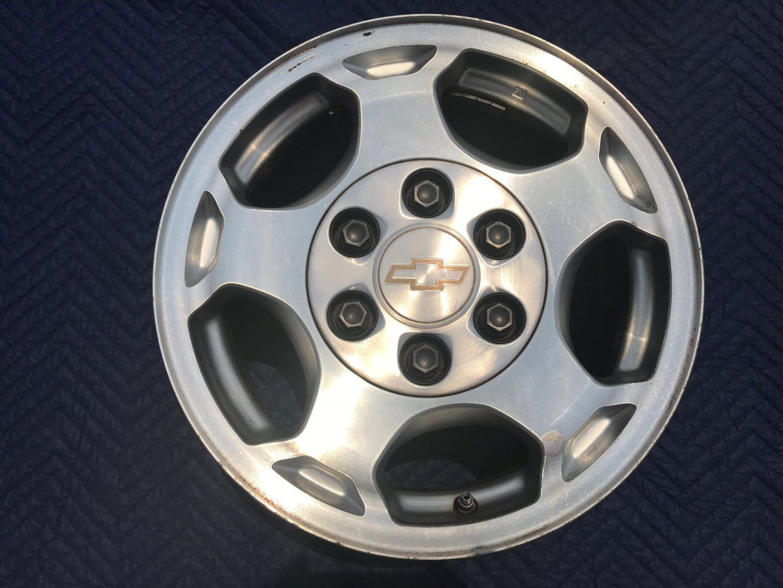 Диск колесный pазмером 16x7 с посадочным отверстием 6x139,7