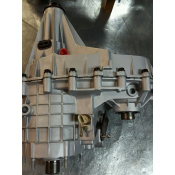 Восстановленная раздаточная коробка для CHEVROLET NP261 transfer case for GM