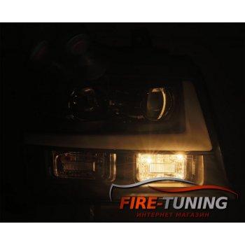 Хромированные линзованные фары с декоративной LED подсветкой CHEVROLET Suburban и с бегущей полосой