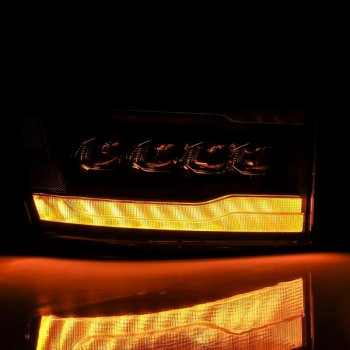Черные светодиодные линзованные фары с декоративной LED подсветкой DODGE Ram