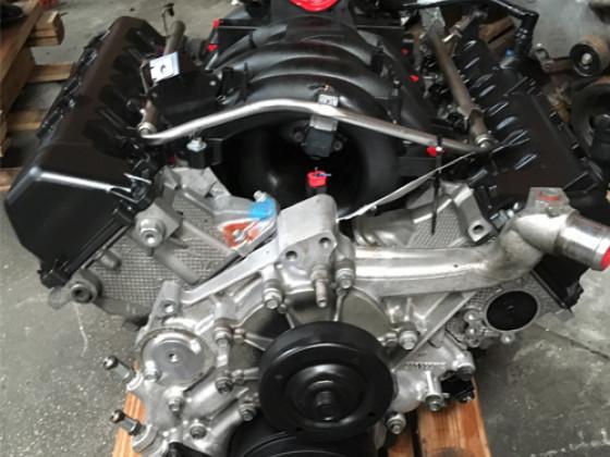 Двигатель внутреннего сгорания 4.7L